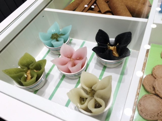 京都の銘菓「生八ッ橋」が可憐なお花にお色直し!ニキニキの「カレ・ド・カネール」