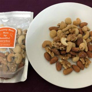 香ばしいお肉を食べているような満足感を堪能できる「ベーコンスモークドナッツ」