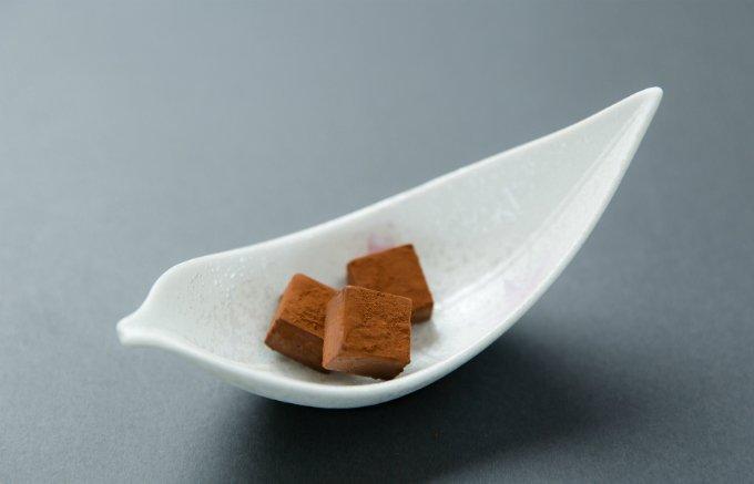 口どけの良さとコクがクセになる!カロリーも抑えた「豆乳チョコレート」
