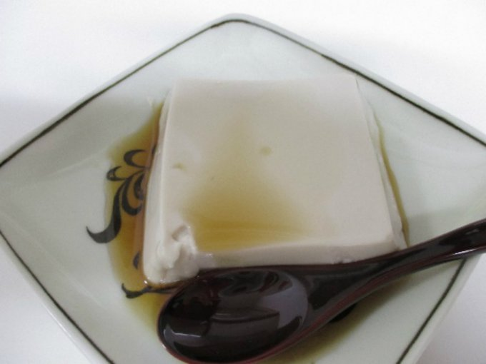 やわらかすぎる!5種のタレがおいしさの秘密とろりん食感の高野山胡麻とうふ