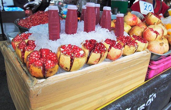 すっきりした酸味が魅力!「果実の王様」とイランでいわれる黒ざくろジュース