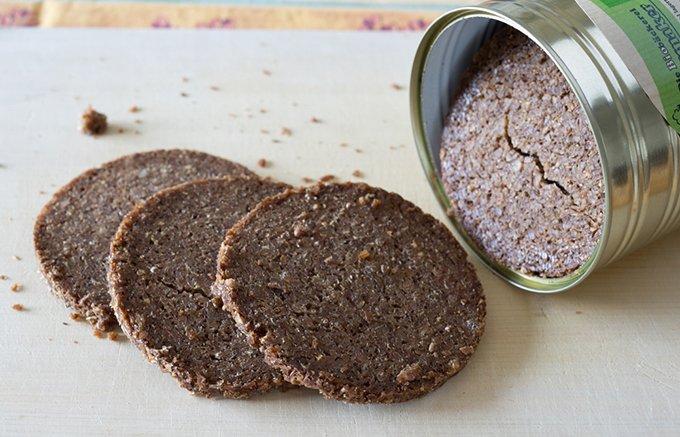 小麦粉不使用!ライ麦そのものが味わえる缶入りのパン