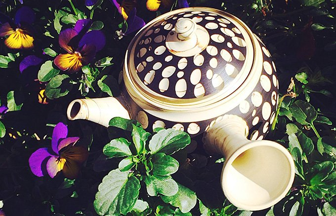 眺めて楽しい!アートな有機茶三種のみ比べ サウダージティー