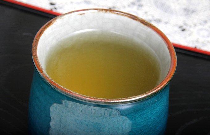 霧の町、鹿児島は頴娃町で栽培された高バランスの緑茶「霧の梟」