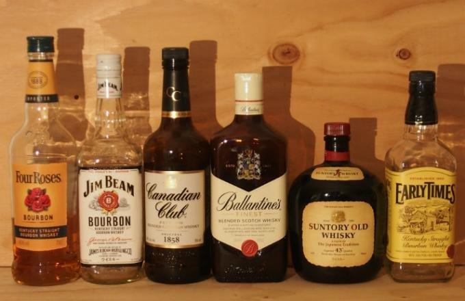 """男を磨く!ウィスキーを飲み始める年齢は知ってて当然""""モルト""""と""""グレーン""""の違い"""