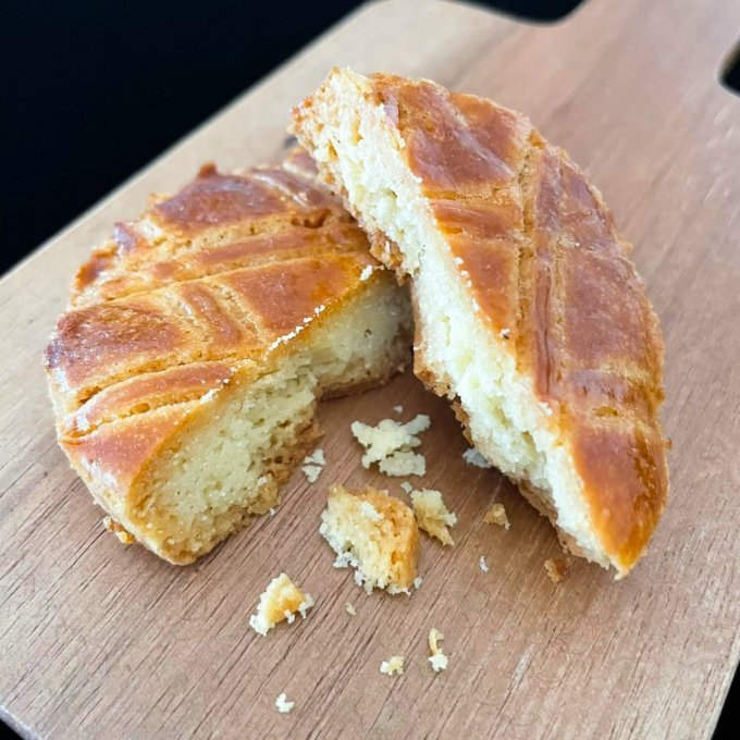 【ザクっと食感】材料の約半分がバター!?スイーツマニアも脱帽……濃厚焼き菓子!