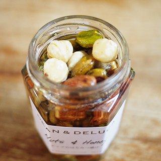 DEAN & DELUCAの甘くて香ばしいナッツを楽しむ「ナッツのはちみつ漬け」