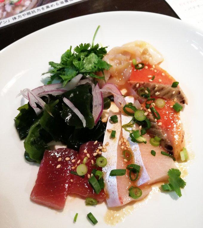 津軽400年の伝統食材から生まれた、純国産のスイートチリソース!