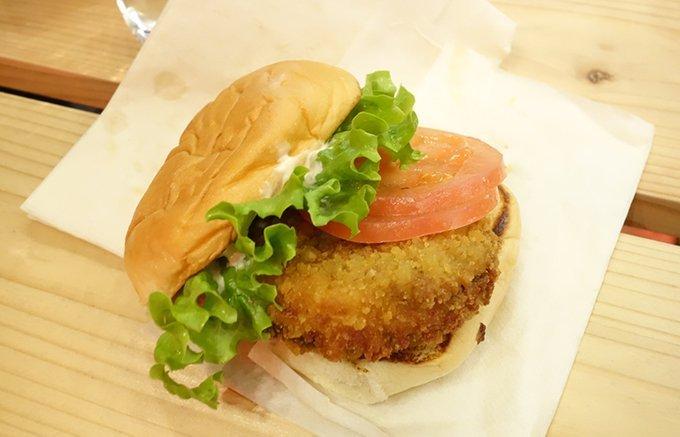 ボリューム満点!肉汁が溢れ出す!こだわりが半端ないハンバーガー3選