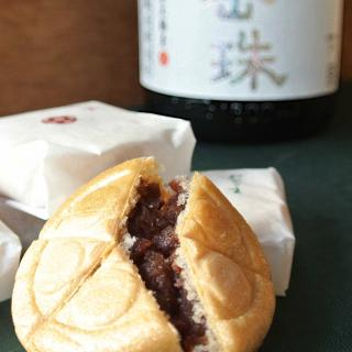 新発見!?純米酒と最中の共通点が味覚へ作用