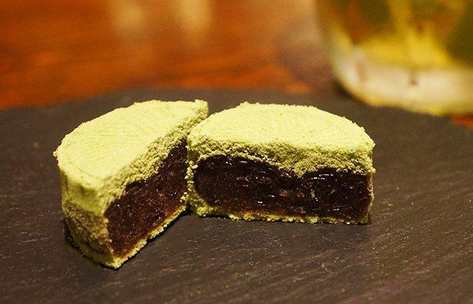 甘さの中にほんのりした苦味。江戸時代から続く金沢・諸江屋の「濃茶楽雁」