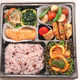 韓流スターが認めた味!新大久保で予約必須の韓国家庭料理弁当