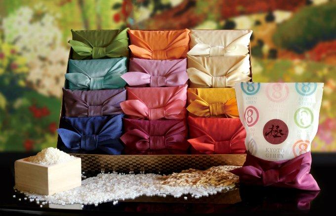 十二単カラーの風呂敷に包まれた京都の老舗米屋「八代目儀兵衛」のお米ギフト