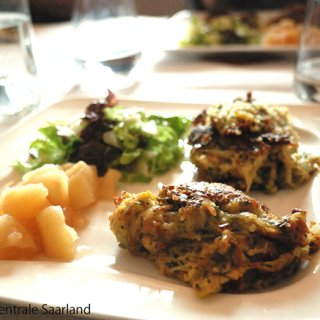 ドイツのザールラント地方の伝統料理!パンケーキ「ディッベラッベス」とは?