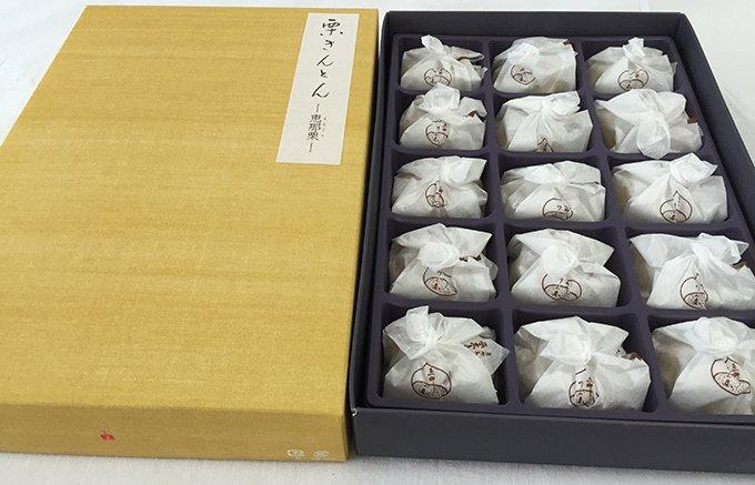 和栗感100%採れたての超特選栗をそのまま絞った中津川の「栗きんとん」