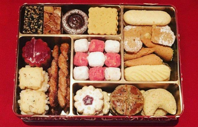 アトリエうかい特製の焼き菓子詰合せは、まさに宝石箱のような豪華さ