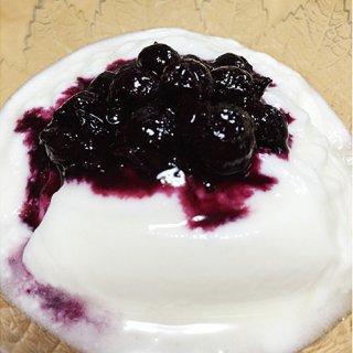 甘すぎない!ブルーベリーの香りと果実の味覚がそのまま詰まった究極のジャム