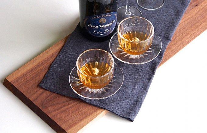 もらって嬉しい贈りものナンバーワン! 和久傳のすっぽんの煮こごりとシャンパーニュ