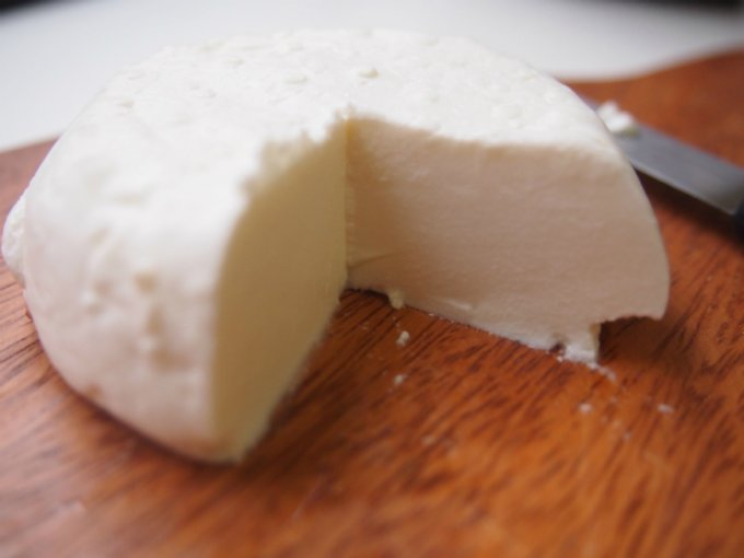 元ホンダのエンジニアが作る佐久の里山チーズ「MIMAKI Frais」