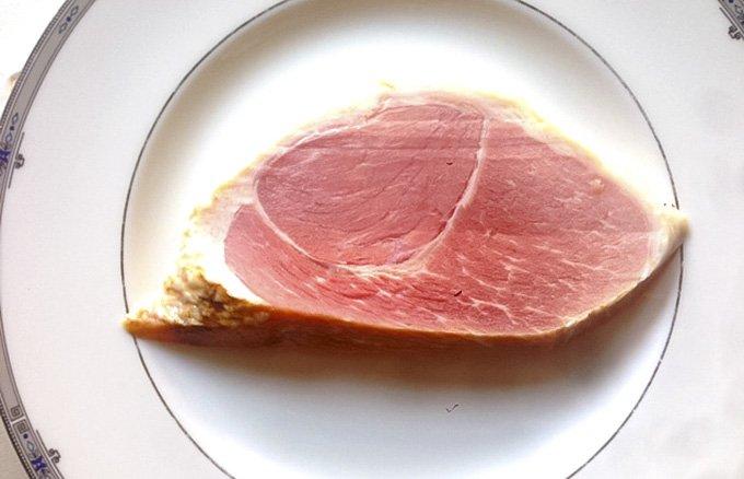 【7月完全限定品】「マンガ肉」豪快に切り分けたい 肉神の骨付きスネハム