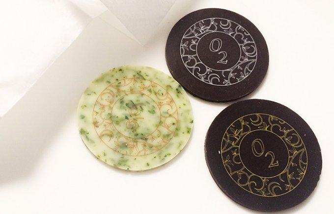 桐の箱を開ければ三つの味の極上茶葉ショコラ