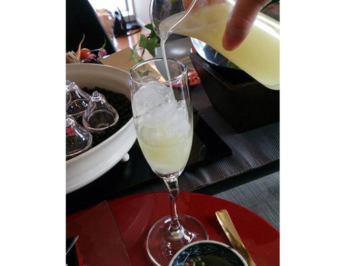 柚子果汁もたっぷり入ったとても香り高い「塩ゆず酒」