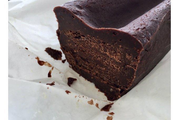 ショコラよりも濃厚!夏でも食べたい通好みなチョコレートケーキ