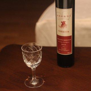 フルーツを惜しみなく贅沢に使ったハンガリーの蒸留酒「パーリンカ」