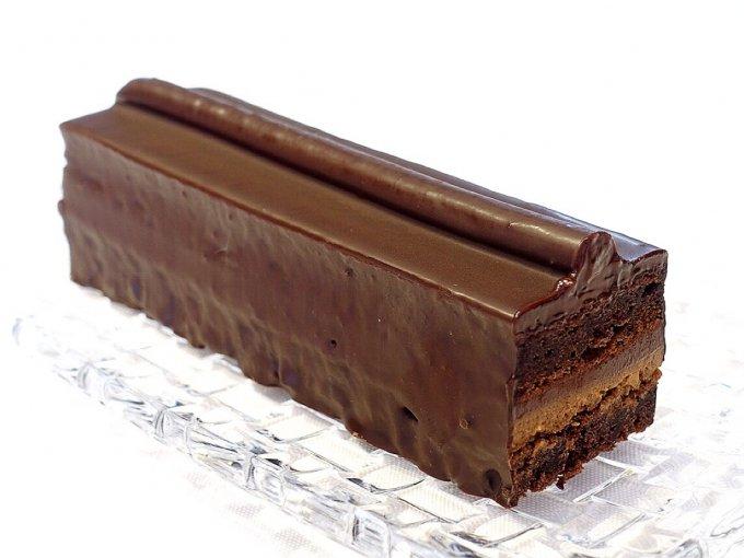 他のチョコケーキとは何かが違う!新感覚の口溶けが味わえるクリオロのトレゾー