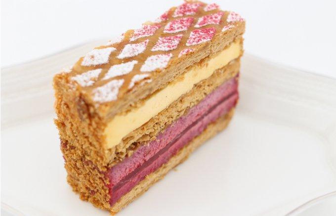 容姿も断面も美しい!美味しさも兼ね備えた人気パティスリーの生菓子