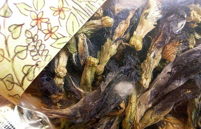 いろどりの変化が楽しめる!チェンマイ産の無農薬栽培の天然ハーブティー