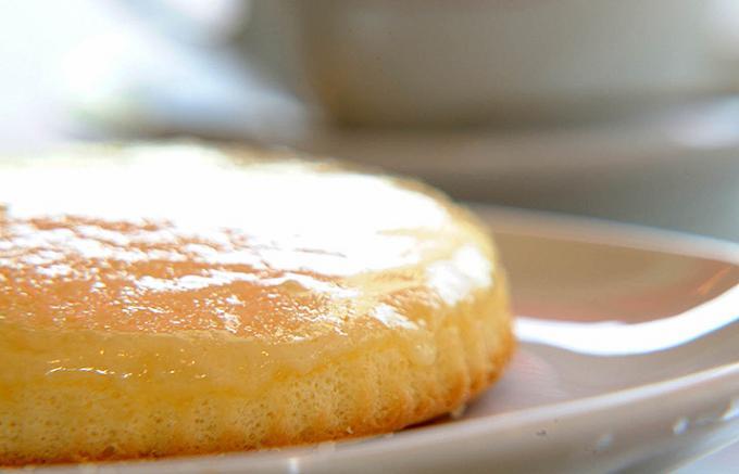 最古のレシピで作られた生チーズを使用した観音屋のチーズケーキ
