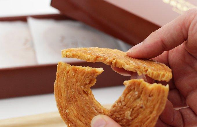 """3000層のパイが作り出す""""この食感""""!50年のロングセラーのお菓子「るれっと」"""