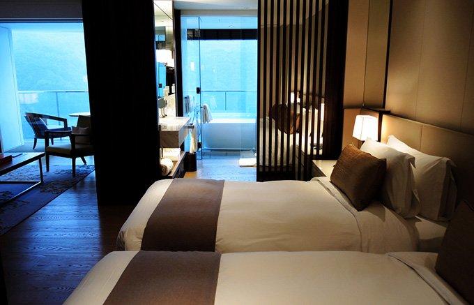 長崎のリゾートホテルで「小さな恋」に出会う