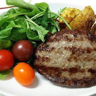 何も足さない、熟成香を味わうなら焼いたらそのまま食べる「熟成牛ハンバーグ」