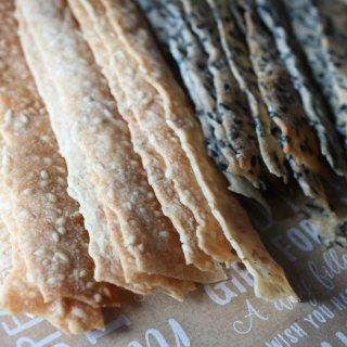 ごまの香ばしさとパリパリ感がクセになる!手作り「ごまクッキー」が美味!