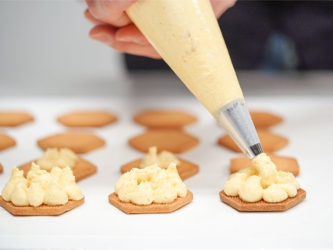 発酵バター100%のバターサンド!新スタイルのパティスリー「hannoc」