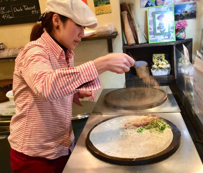 ゴマの風味が豊か!ゴマソムリエさんが作る「京野菜・ごまクレープ」