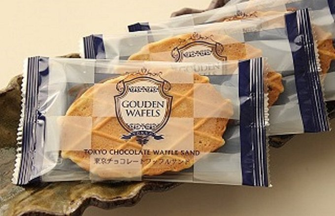 空港や駅でお土産に人気!軽さが魅力の「東京チョコレートワッフルサンド」