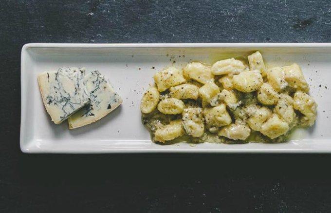 ケーキとの相性も抜群!ねっとりとして濃厚、辛口でもあるゴルゴンゾーラ・チーズ!