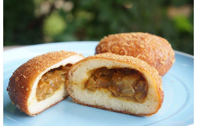 隠れ家的テラス席で味わう、パン屋『GRANDIR』夏の新商品タルト!