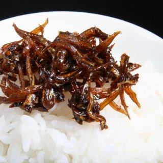 新鮮な淡路近海の生いかなごを使用した神戸「五魚福」の「いかなごのくぎ煮」