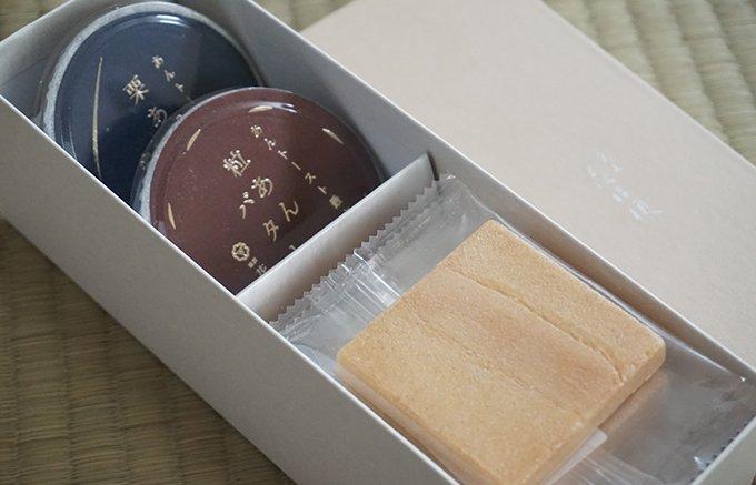 名古屋のご当地グルメが和菓子に!あんを塗って頂く花桔梗の「あんトースト最中」