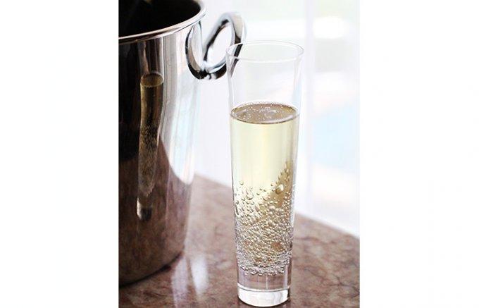発泡系のドリンクをさらに愉しめる手作りのSghr新作グラス