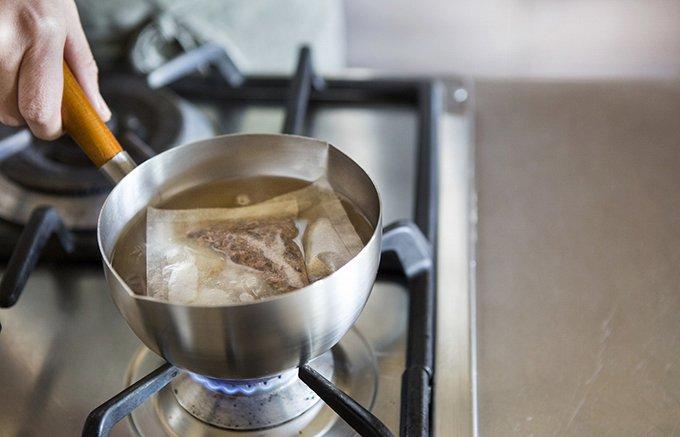 焼津産の鰹節にかつおエキスを合わせる独自の製法で作った贅沢な2種の鰹だし