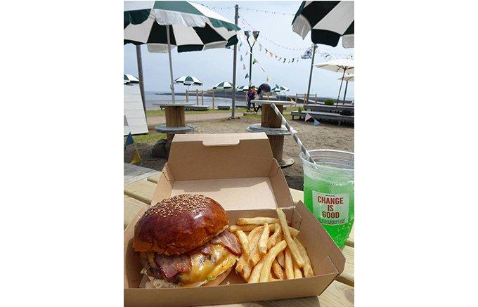 宮崎・青島ビーチパークに、並んでも食べたい「ザ ビーチバーガーショップ」登場!
