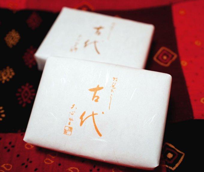 これぞ究極の雷おこし。東京手土産の代表、特選おこし「古代」
