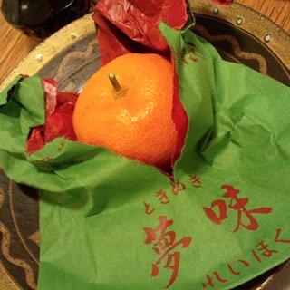 お菓子のような甘さと言われ料亭も仕入れる高級品 越冬袋掛みかん「夢味ときめき」