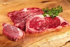 自然の中で育まれた絶品赤身牛肉、山形村短角牛