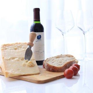 究極のつまみはイタリアにあり。パルマハムとグラナ・パダーノチーズを堪能する